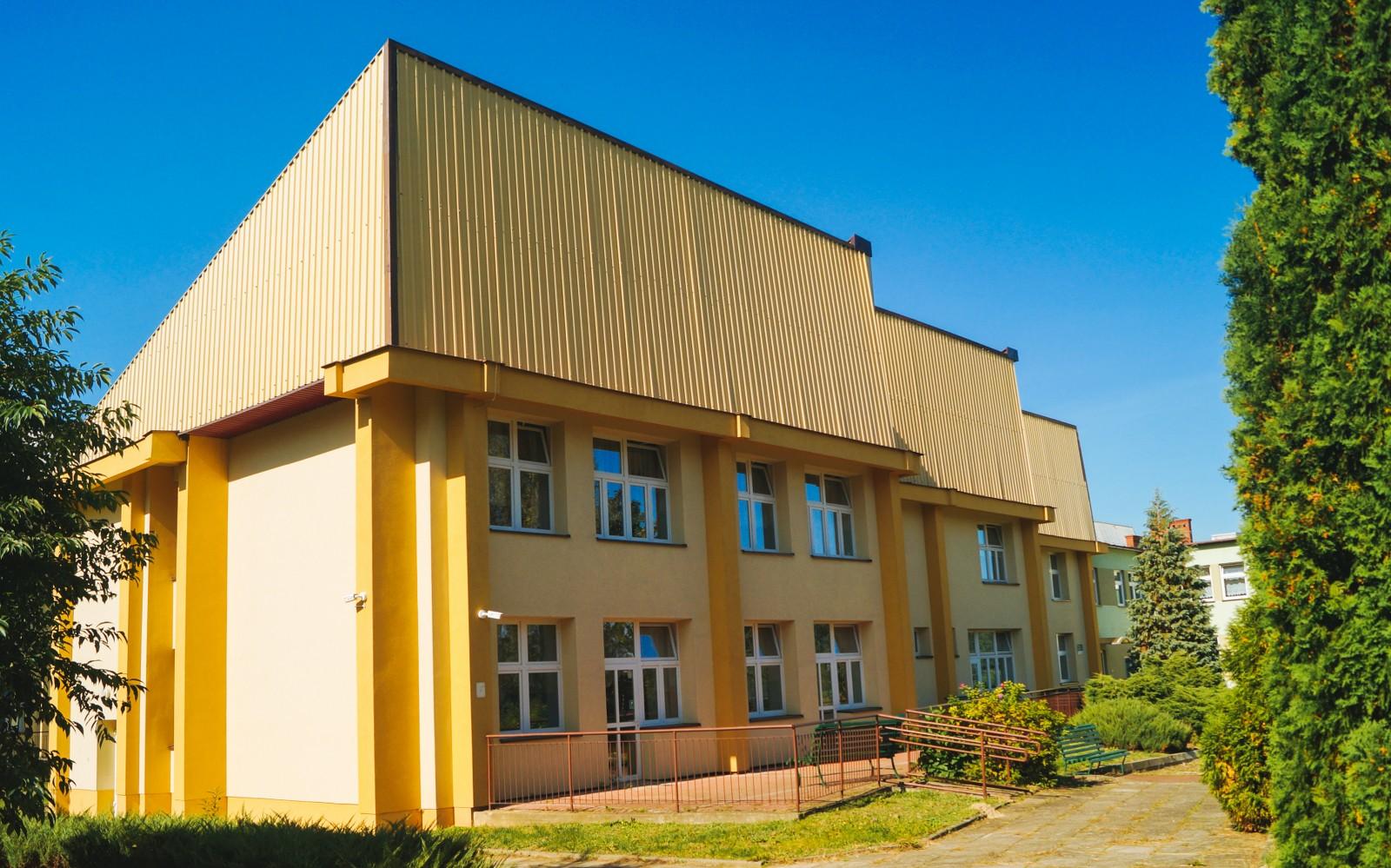 tyl_budynku-1_1600x999